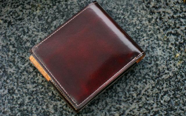 画像1: 革工房【パーリー】きめ細やかな極上のクラシックレザー♪ 二つ折り財布(小銭入れ付)  (1)