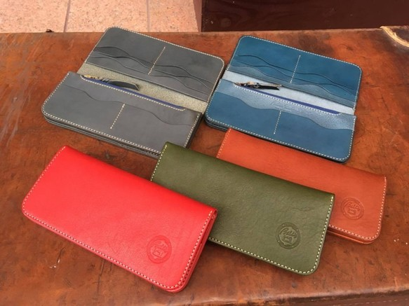 画像1: スタンダードな牛革長財布!シンプルで軽く使いやすい長財布です (1)